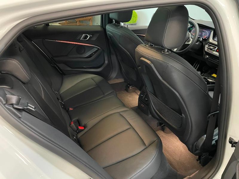 Photo 8 de l'offre de BMW Serie 1 118dA 150ch M Sport 8cv à 34900€ chez Dugast automobiles
