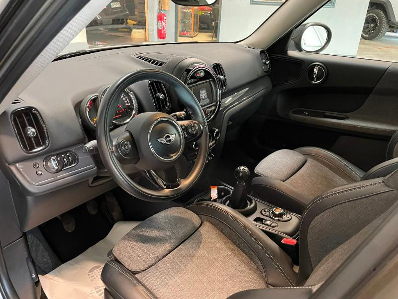 Photo 13 de l'offre de MINI Countryman Cooper D 150ch Business à 17900€ chez Dugast automobiles
