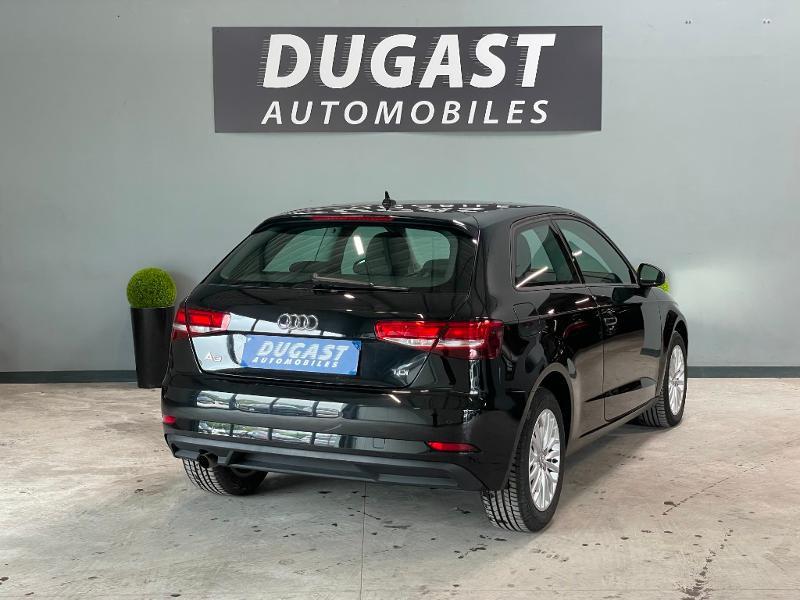 Photo 4 de l'offre de AUDI A3 1.6 TDI 110ch Business line à 17900€ chez Dugast automobiles