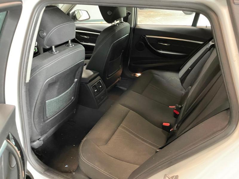 Photo 12 de l'offre de BMW Serie 3 Touring 318dA 150ch Business Design à 19900€ chez Dugast automobiles