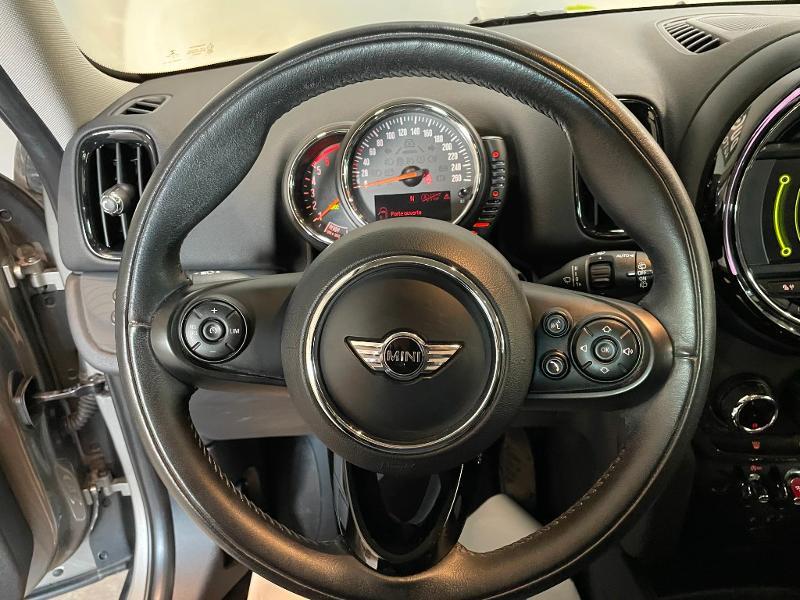 Photo 16 de l'offre de MINI Countryman Cooper D 150ch Business à 17900€ chez Dugast automobiles