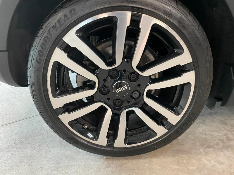 Photo 9 de l'offre de MINI Mini 5 Portes Cooper 136ch Chili à 27900€ chez Dugast automobiles