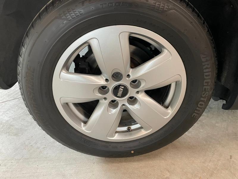 Photo 9 de l'offre de MINI Countryman Cooper D 150ch Business à 17900€ chez Dugast automobiles
