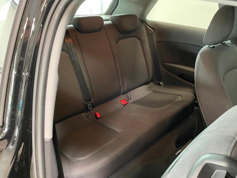 Photo 7 de l'offre de AUDI A3 1.6 TDI 110ch Business line à 17900€ chez Dugast automobiles
