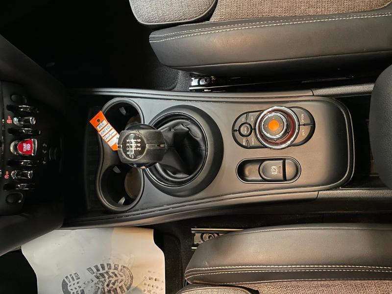 Photo 19 de l'offre de MINI Countryman Cooper D 150ch Business à 17900€ chez Dugast automobiles
