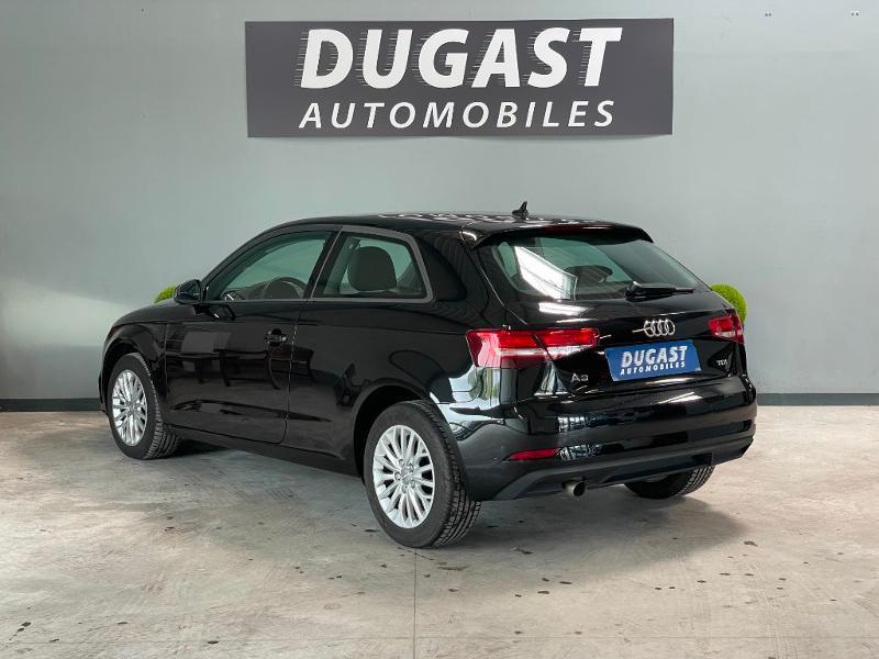 Photo 3 de l'offre de AUDI A3 1.6 TDI 110ch Business line à 17900€ chez Dugast automobiles