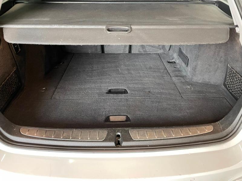 Photo 10 de l'offre de BMW Serie 3 Touring 318dA 150ch Business Design à 19900€ chez Dugast automobiles