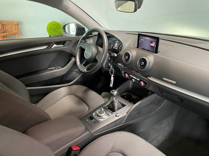 Photo 5 de l'offre de AUDI A3 1.6 TDI 110ch Business line à 17900€ chez Dugast automobiles