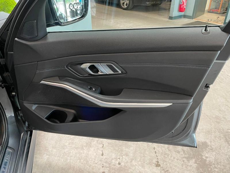 Photo 8 de l'offre de BMW Serie 3 Touring 320dA MH xDrive 190ch M Sport à 46900€ chez Dugast automobiles