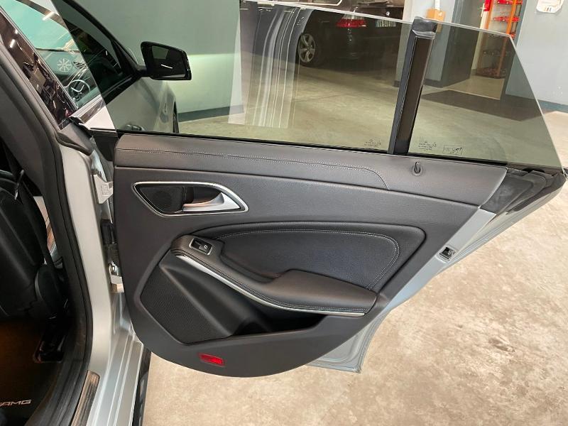 Photo 10 de l'offre de MERCEDES-BENZ CLA Shooting Brake 45 AMG 4Matic Speedshift DCT à 36900€ chez Dugast automobiles