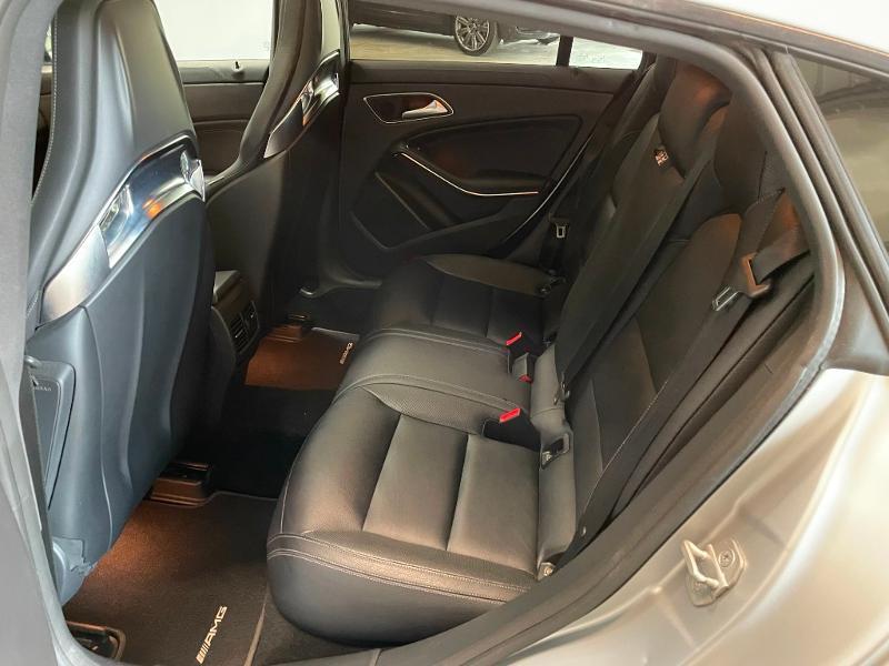 Photo 14 de l'offre de MERCEDES-BENZ CLA Shooting Brake 45 AMG 4Matic Speedshift DCT à 36900€ chez Dugast automobiles