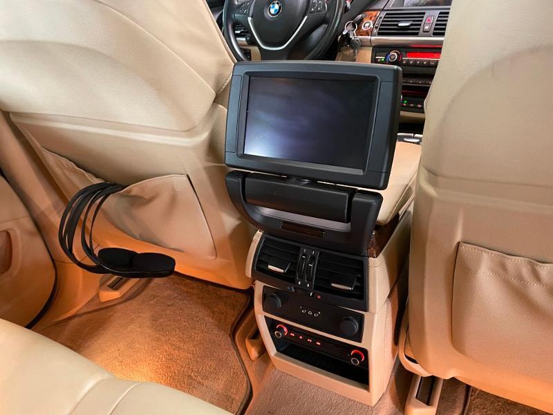Photo 11 de l'offre de BMW X5 4.8iA 355ch Luxe à 12900€ chez Dugast automobiles