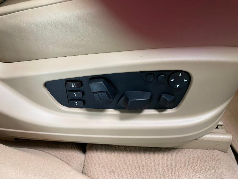 Photo 7 de l'offre de BMW X5 4.8iA 355ch Luxe à 12900€ chez Dugast automobiles