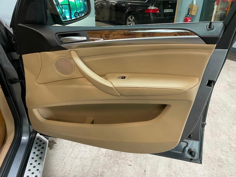Photo 8 de l'offre de BMW X5 4.8iA 355ch Luxe à 12900€ chez Dugast automobiles
