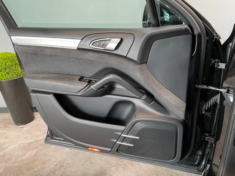 Photo 21 de l'offre de PORSCHE Cayenne 3.6 440ch GTS à 59900€ chez Dugast automobiles