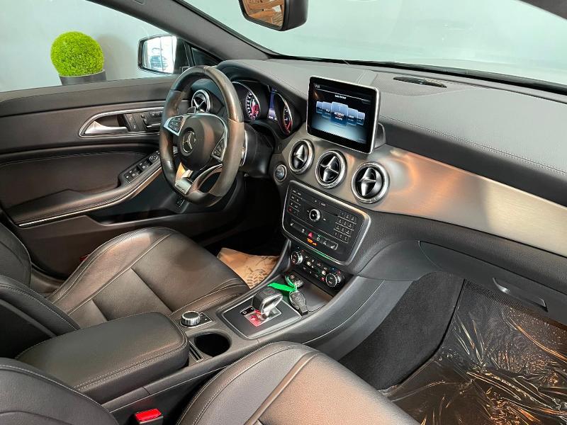 Photo 5 de l'offre de MERCEDES-BENZ CLA Shooting Brake 45 AMG 4Matic Speedshift DCT à 36900€ chez Dugast automobiles