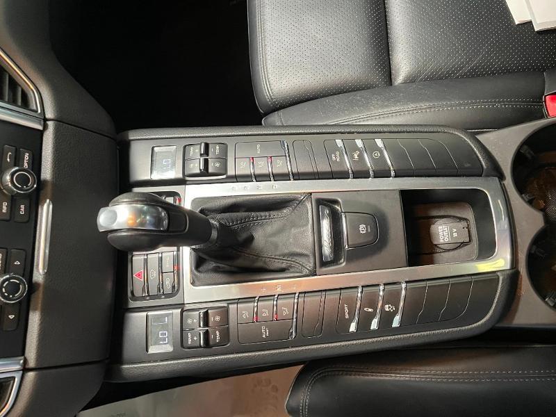 Photo 22 de l'offre de PORSCHE Macan 3.0 V6 258ch S Diesel PDK à 43900€ chez Dugast automobiles