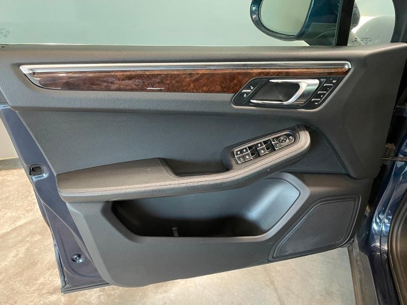 Photo 18 de l'offre de PORSCHE Macan 3.0 V6 258ch S Diesel PDK à 43900€ chez Dugast automobiles