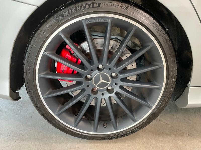 Photo 11 de l'offre de MERCEDES-BENZ CLA Shooting Brake 45 AMG 4Matic Speedshift DCT à 36900€ chez Dugast automobiles
