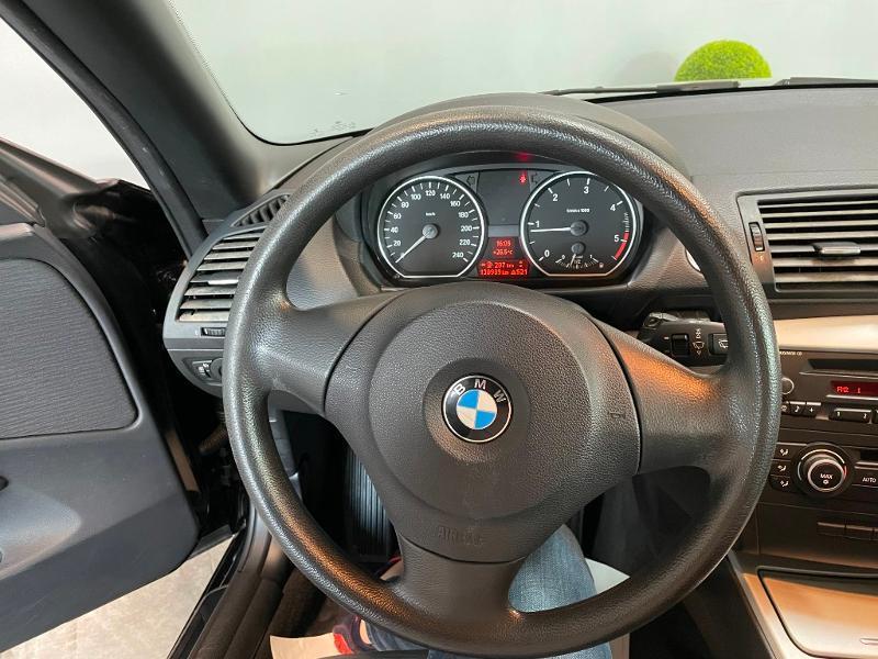 Photo 14 de l'offre de BMW Serie 1 Cabriolet 118d 143ch Confort à 11900€ chez Dugast automobiles