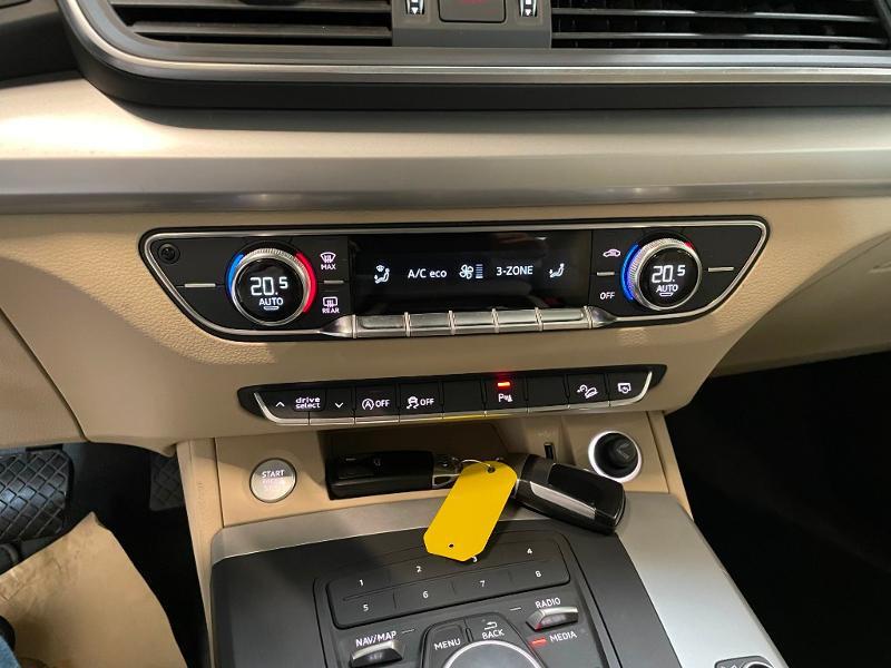 Photo 22 de l'offre de AUDI Q5 2.0 TDI 163ch Business Executive quattro S tronic 7 à 33900€ chez Dugast automobiles