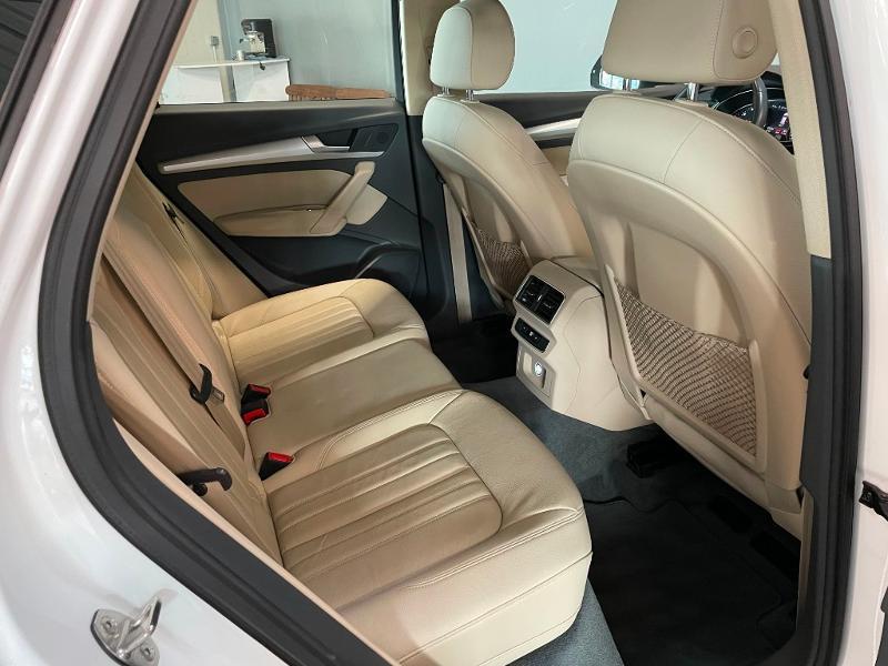 Photo 8 de l'offre de AUDI Q5 2.0 TDI 163ch Business Executive quattro S tronic 7 à 33900€ chez Dugast automobiles