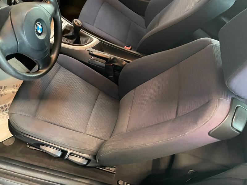 Photo 11 de l'offre de BMW Serie 1 Cabriolet 118d 143ch Confort à 11900€ chez Dugast automobiles