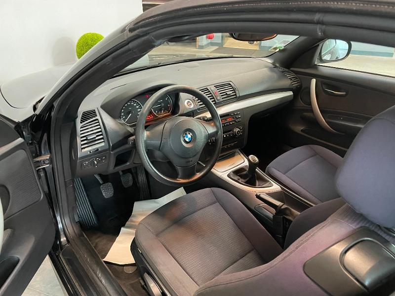 Photo 10 de l'offre de BMW Serie 1 Cabriolet 118d 143ch Confort à 11900€ chez Dugast automobiles