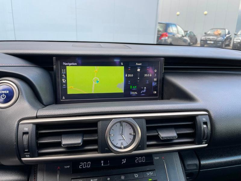 Photo 15 de l'offre de LEXUS RC 300h F SPORT Executive Black Edition à 36900€ chez Dugast automobiles