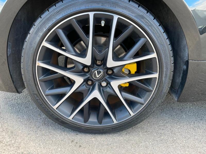 Photo 9 de l'offre de LEXUS RC 300h F SPORT Executive Black Edition à 36900€ chez Dugast automobiles
