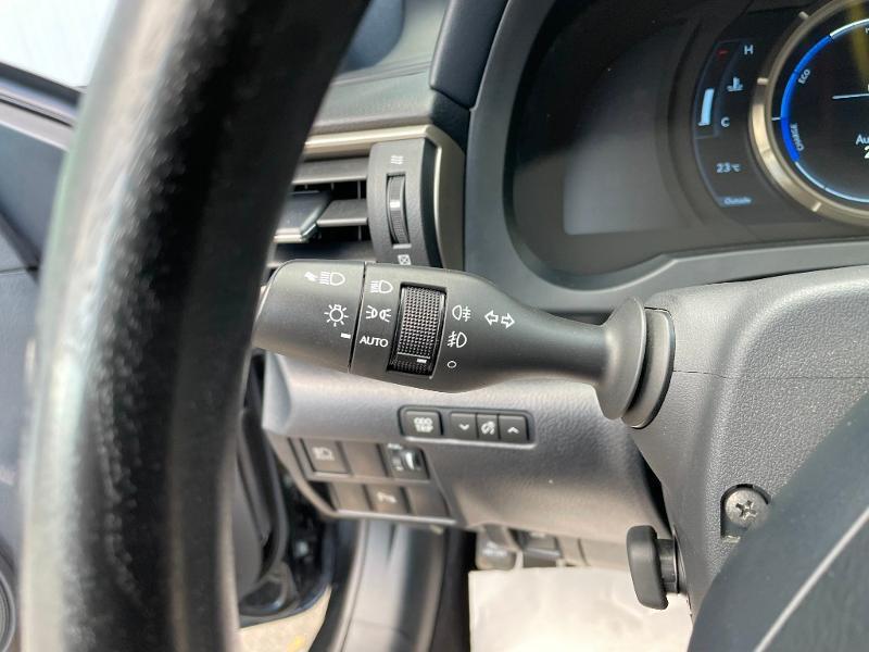 Photo 19 de l'offre de LEXUS RC 300h F SPORT Executive Black Edition à 36900€ chez Dugast automobiles