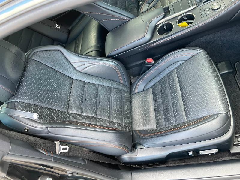 Photo 6 de l'offre de LEXUS RC 300h F SPORT Executive Black Edition à 36900€ chez Dugast automobiles