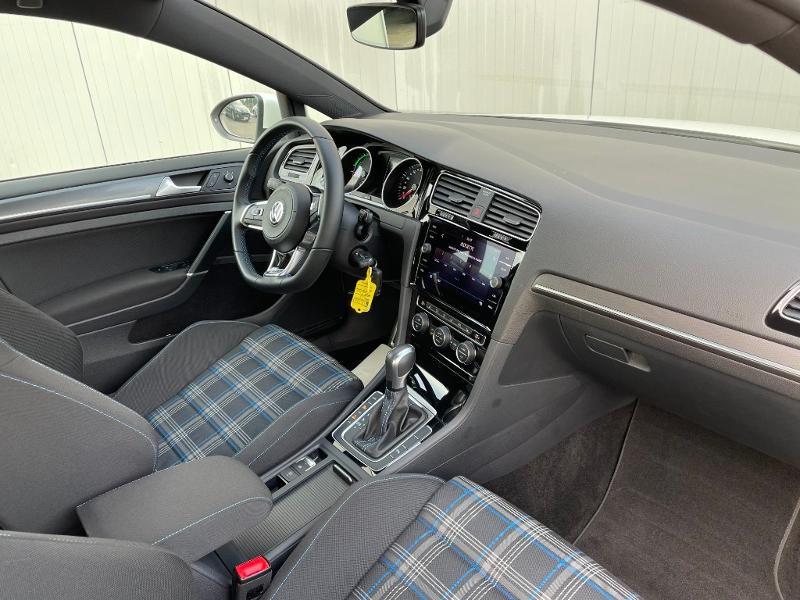 Photo 5 de l'offre de VOLKSWAGEN Golf 1.4 TSI 204ch Hybride Rechargeable GTE DSG6 Euro6d-T 5p à 28900€ chez Dugast automobiles