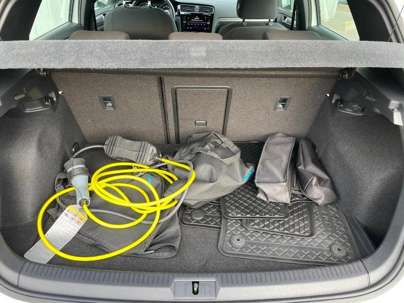 Photo 11 de l'offre de VOLKSWAGEN Golf 1.4 TSI 204ch Hybride Rechargeable GTE DSG6 Euro6d-T 5p à 28900€ chez Dugast automobiles