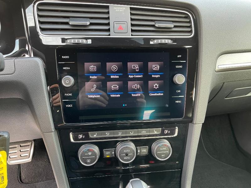 Photo 20 de l'offre de VOLKSWAGEN Golf 1.4 TSI 204ch Hybride Rechargeable GTE DSG6 Euro6d-T 5p à 28900€ chez Dugast automobiles