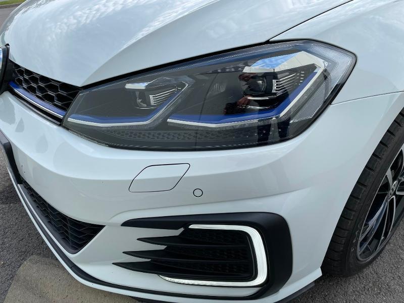 Photo 21 de l'offre de VOLKSWAGEN Golf 1.4 TSI 204ch Hybride Rechargeable GTE DSG6 Euro6d-T 5p à 28900€ chez Dugast automobiles