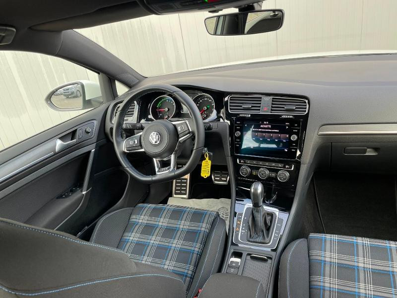 Photo 9 de l'offre de VOLKSWAGEN Golf 1.4 TSI 204ch Hybride Rechargeable GTE DSG6 Euro6d-T 5p à 28900€ chez Dugast automobiles