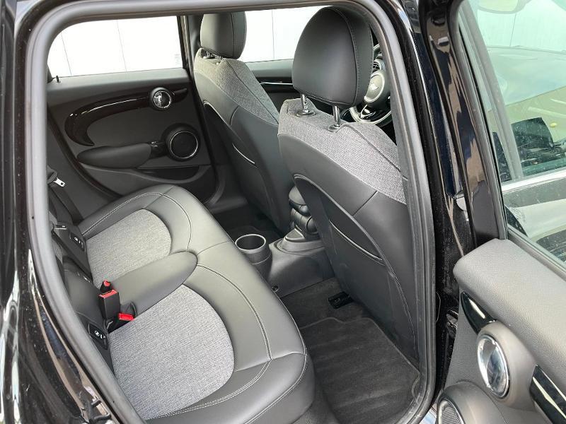 Photo 8 de l'offre de MINI Mini 5 Portes Cooper 136ch Edition Greenwich BVA7 à 27900€ chez Dugast automobiles