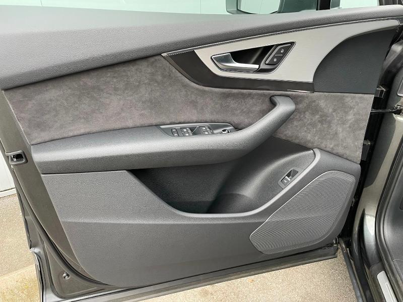 Photo 19 de l'offre de AUDI Q7 3.0 V6 TDI 373ch e-tron S line quattro Tiptronic à 69900€ chez Dugast automobiles