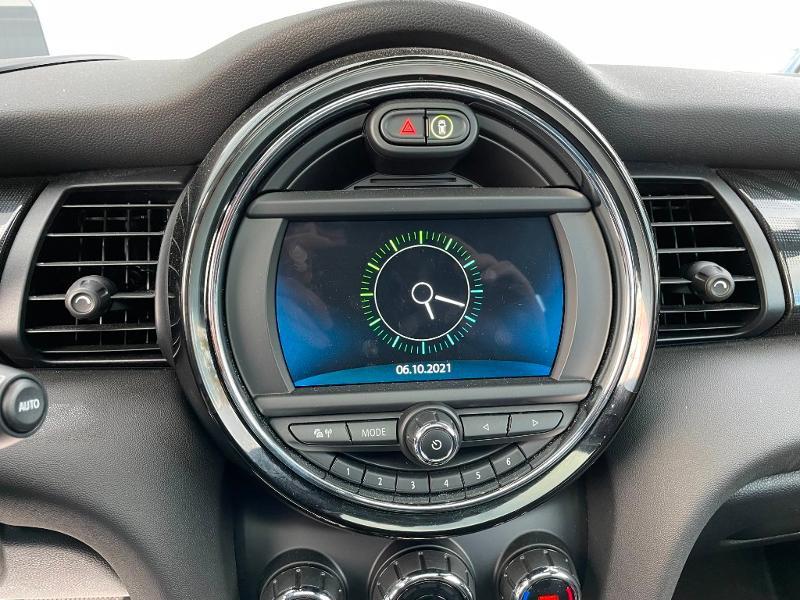 Photo 17 de l'offre de MINI Mini 5 Portes Cooper 136ch Edition Greenwich BVA7 à 27900€ chez Dugast automobiles