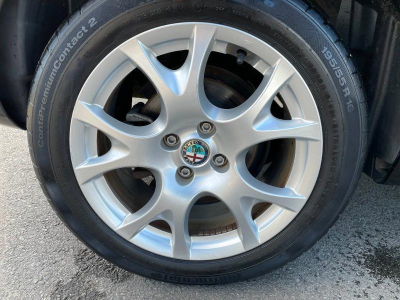 Photo 9 de l'offre de ALFA ROMEO MiTo 1.4 MPI 78ch Stop&Start à 8900€ chez Dugast automobiles