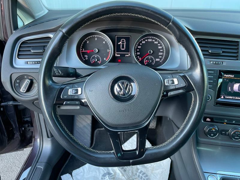 Photo 15 de l'offre de VOLKSWAGEN Golf 1.6 TDI 105ch BlueMotion Technology FAP Lounge 5p à 13900€ chez Dugast automobiles