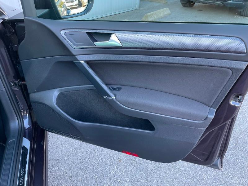 Photo 7 de l'offre de VOLKSWAGEN Golf 1.6 TDI 105ch BlueMotion Technology FAP Lounge 5p à 13900€ chez Dugast automobiles