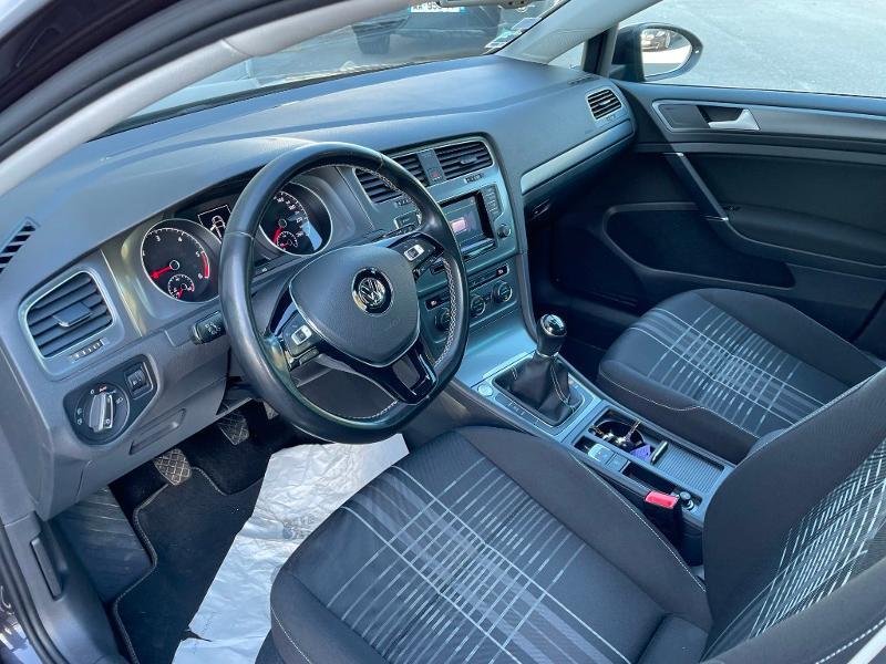 Photo 13 de l'offre de VOLKSWAGEN Golf 1.6 TDI 105ch BlueMotion Technology FAP Lounge 5p à 13900€ chez Dugast automobiles