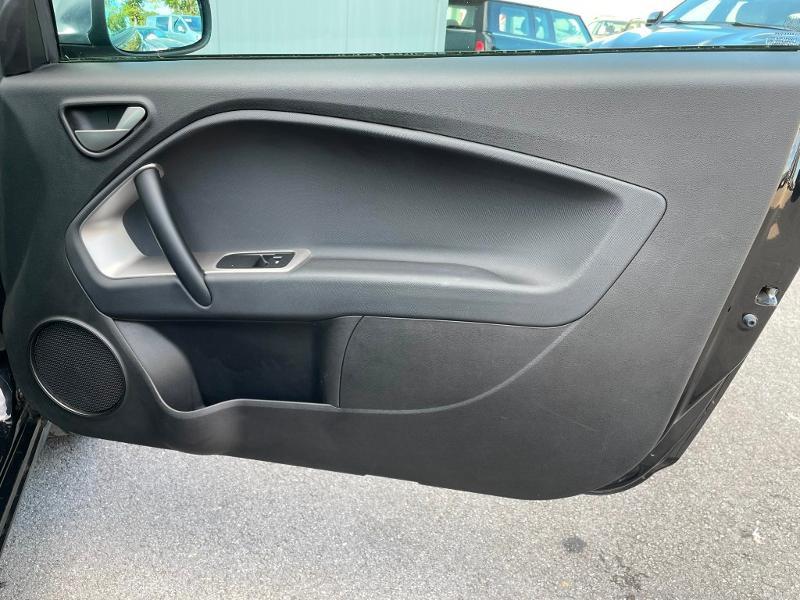 Photo 8 de l'offre de ALFA ROMEO MiTo 1.4 MPI 78ch Stop&Start à 8900€ chez Dugast automobiles