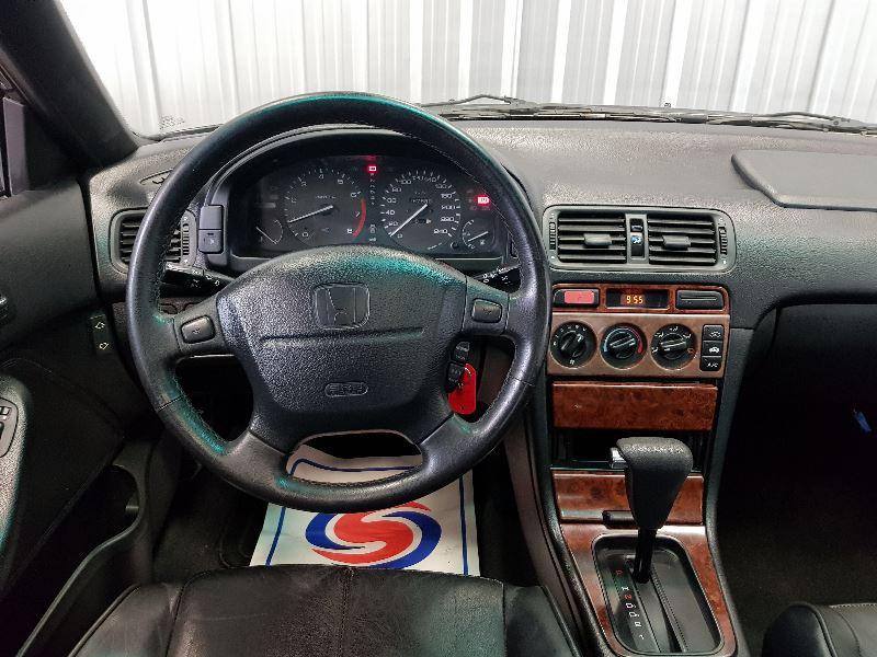 Photo 9 de l'offre de HONDA ACCORD 2.2I VTEC 4P à 4490€ chez Auto VEC