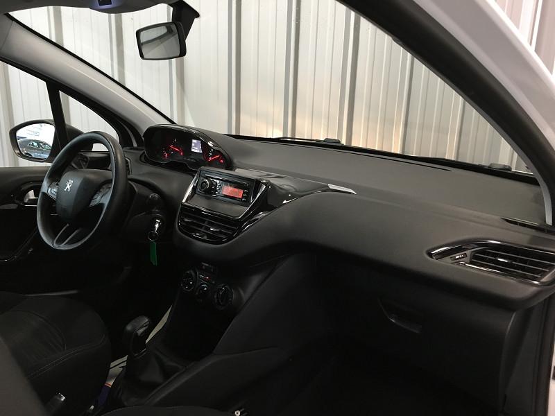 Photo 8 de l'offre de PEUGEOT 208 AFFAIRE 1.4 HDI 68 FAP PACK CD CLIM 5P à 6990€ chez Auto VEC