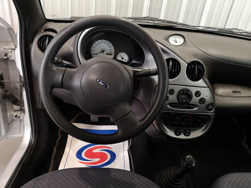 Photo 9 de l'offre de FORD KA 1.3 60CH OBSESSION 3P à 4490€ chez Auto VEC