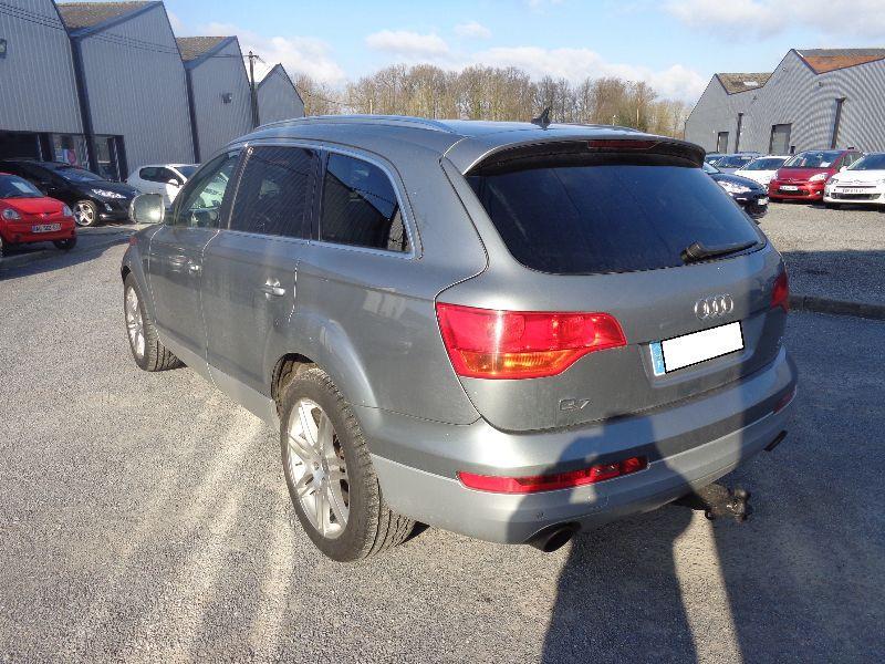 Photo 7 de l'offre de AUDI Q7 4.2 FSI AVUS TTRO 7PL à 23990€ chez Auto VEC