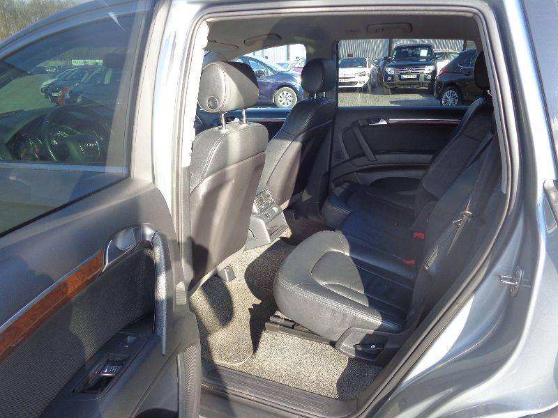 Photo 6 de l'offre de AUDI Q7 4.2 FSI AVUS TTRO 7PL à 23990€ chez Auto VEC